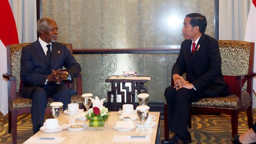 Widodo y Annan abordan la violencia contra los rohinyás en Birmania