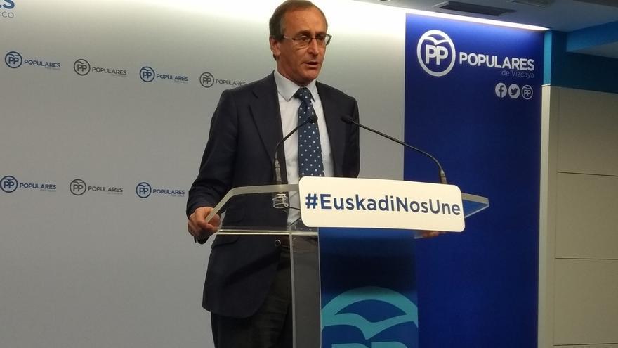 """Alonso (PP) reivindica la foralidad vasca y se desmarca del """"nacionalismo histriónico"""" de VOX"""