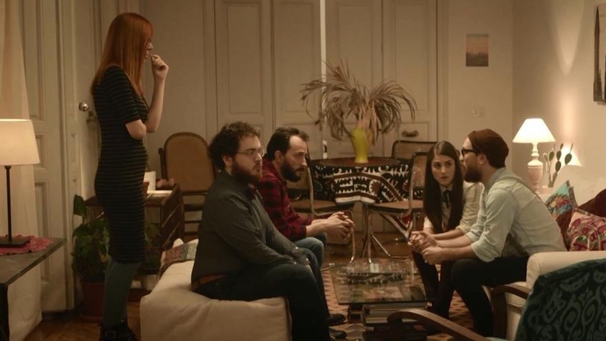 Un 'hipster' que decide votar al PP ante la incomprensión de sus amigos, protagonista del nuevo vídeo del partido