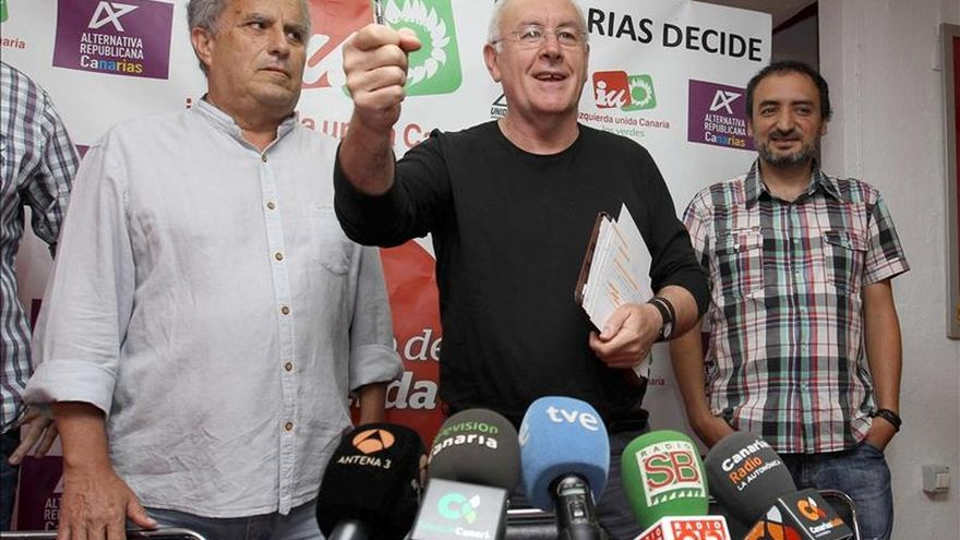 Cayo Lara lamenta que la Fiscalía exculpe a los empresarios que abonaron pagos al PP