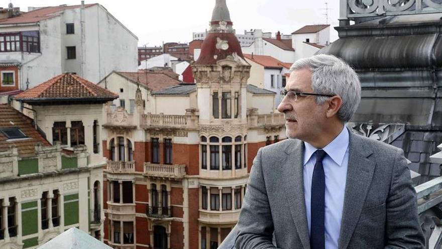 Llamazares dimite como diputado y no será candidato en Asturias