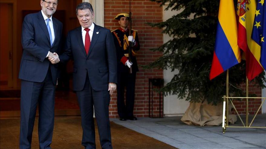 Rajoy y Santos celebran el acuerdo con la UE para la exención de visado a los colombianos