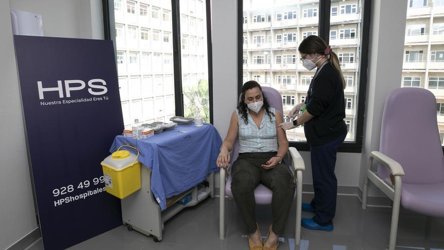 El Hospital Perpetuo Socorro vacuna a cerca de 300 odontólogos