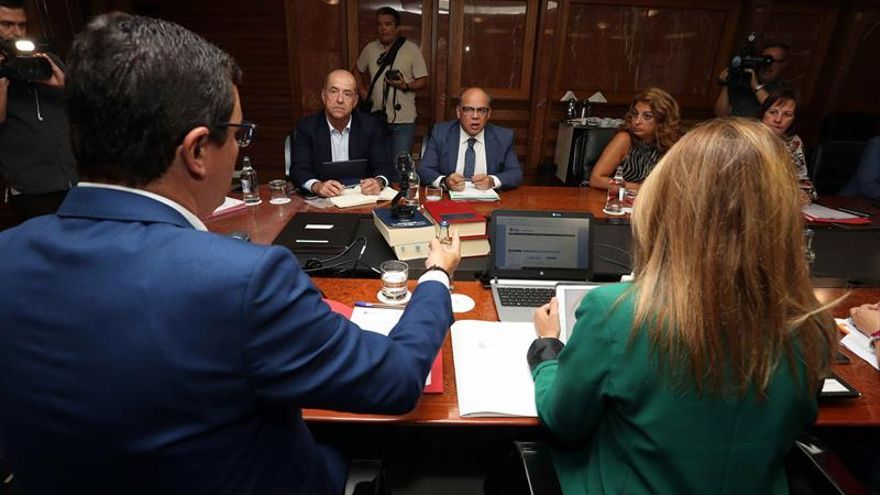 Los consejeros del Gobierno de Canarias durante la reunión del consejo de gobierno