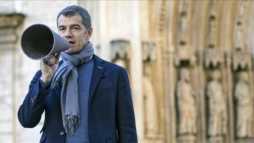 Cantó afirma haber recibido 21.100 mensajes en el móvil del partido en 20 horas
