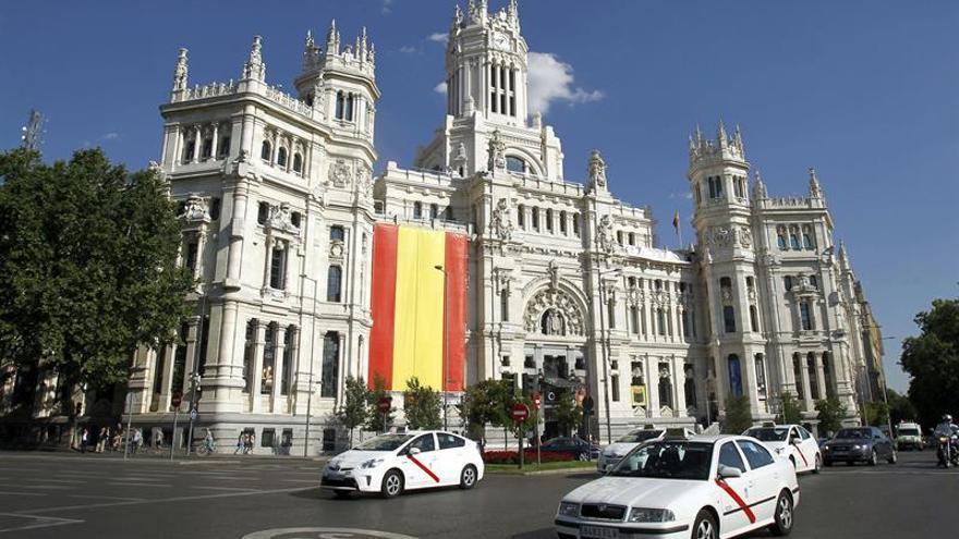 """Madrid se """"engalanará"""" con banderas de España el 12 de octubre"""