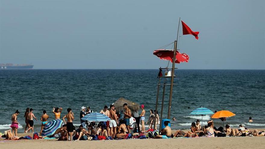 Reabren las playas de Valencia cerradas el jueves por el nivel de bacterias