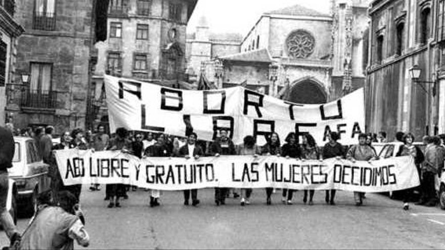 Una manifestación a favor del aborto en Oviedo en 1985.