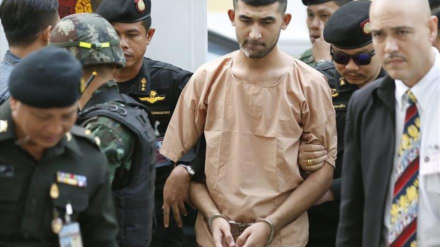 Presentan cargos contra dos detenidos por el atentado con bomba en Bangkok