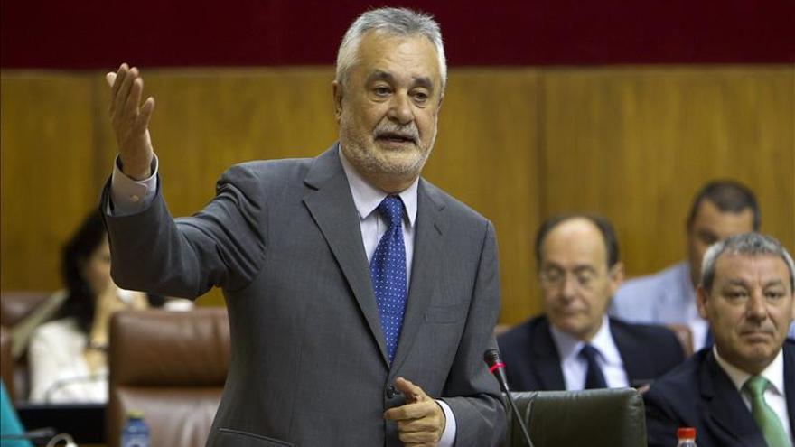 Griñán pide reequilibrar el déficit y después aplicar una norma objetiva