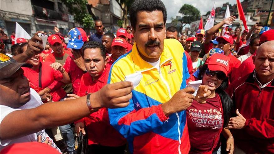 Maduro responsabiliza de la pelea en el Parlamento a un plan de la oposición