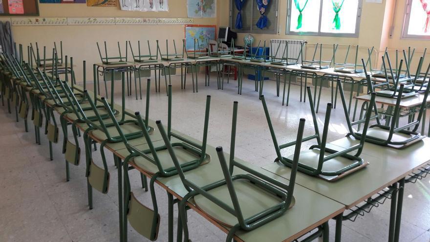 Imagen del colegio público Ramón y Cajal de Fuenlabrada, con un aula vacía esta mañana