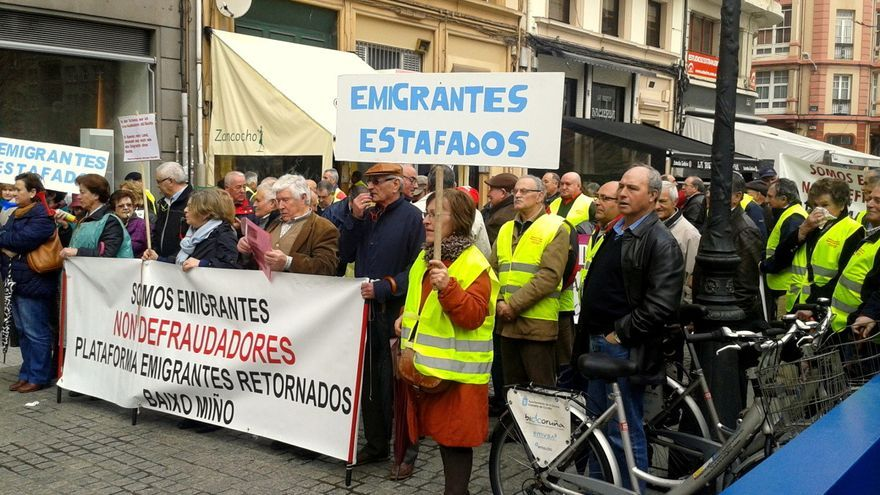 Manifestación de emigrantes retornados en A Coruña