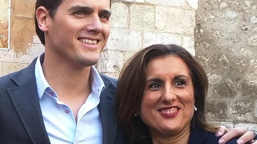 Yolanda Ramírez con Albert Rivera, en Guadalajara en diciembre de 2015