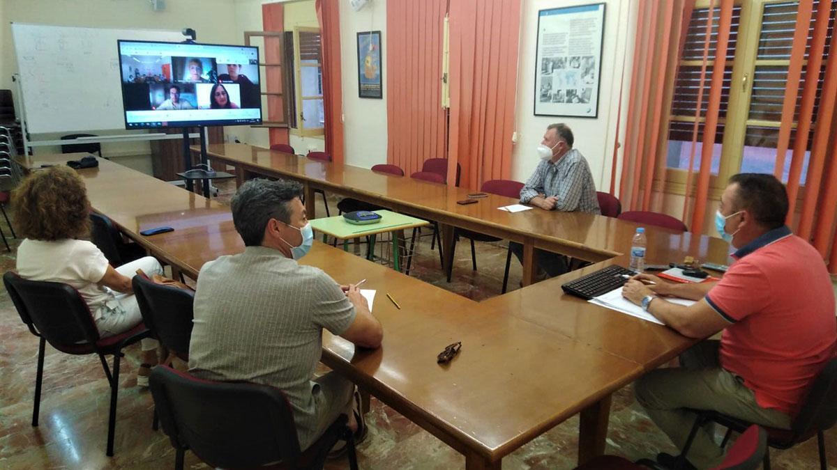 Reunión de CCOO con el colectivo sociosanitario.