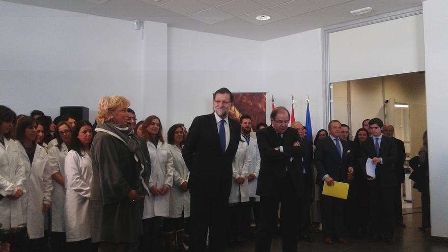 """Rajoy cree que """"está de moda contar desgracias"""", pero que hay """"historias de éxito"""" y muchas cosas """"que van bien"""""""