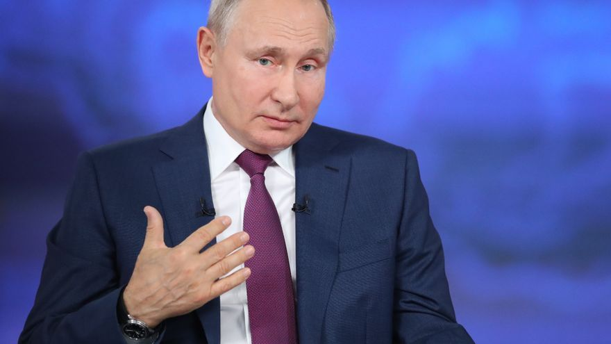 Putin anima a vacunarse y advierte contra provocaciones a EEUU y Reino Unido