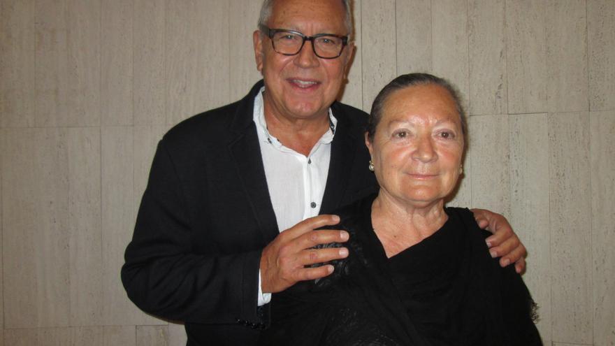 Fernando Delgado y Elsa López, este viernes en la Fundación CajaCanarias. Foto: LUZ RODRÍGUEZ