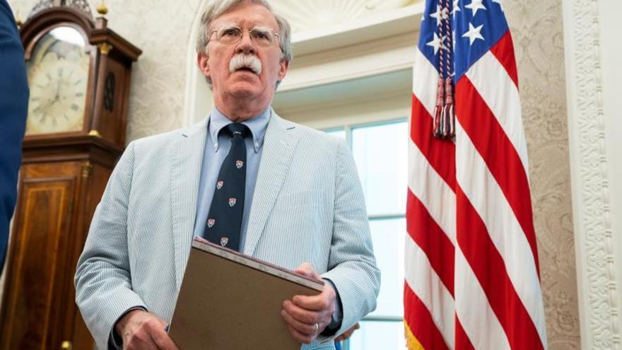 Bolton se reúne con altos funcionarios en Tokio entre tensiones con Irán
