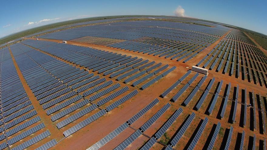 Los fotovoltaicos de Anpier piden a Nadal igualdad de trato entre inversores extranjeros y españoles