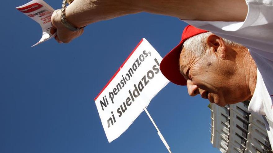 """Jubilados se manifiestan en Madrid contra el """"robo"""" de las pensiones"""