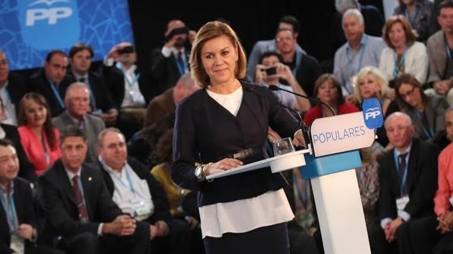 """Cospedal asegura que Rajoy mantendrá su compromiso con Cataluña pese a """"provocaciones"""" como el 9N"""