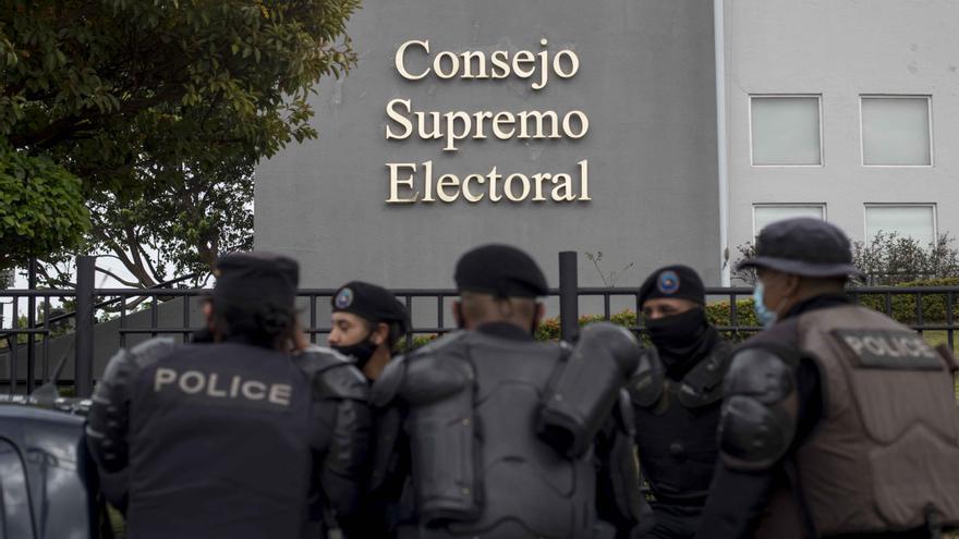 """La oposición nicaragüense se debatirá entre el """"voto útil"""" y la tercera vía"""
