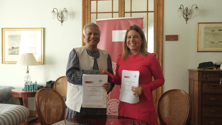 Convenio entre la UMU el Premio Nobel de la Paz Muhammad Yunus para crear el Yunus Centre de Emprendimiento Social