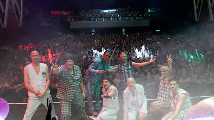 La exitosa gira de los 30 años arrancó en Argentina.