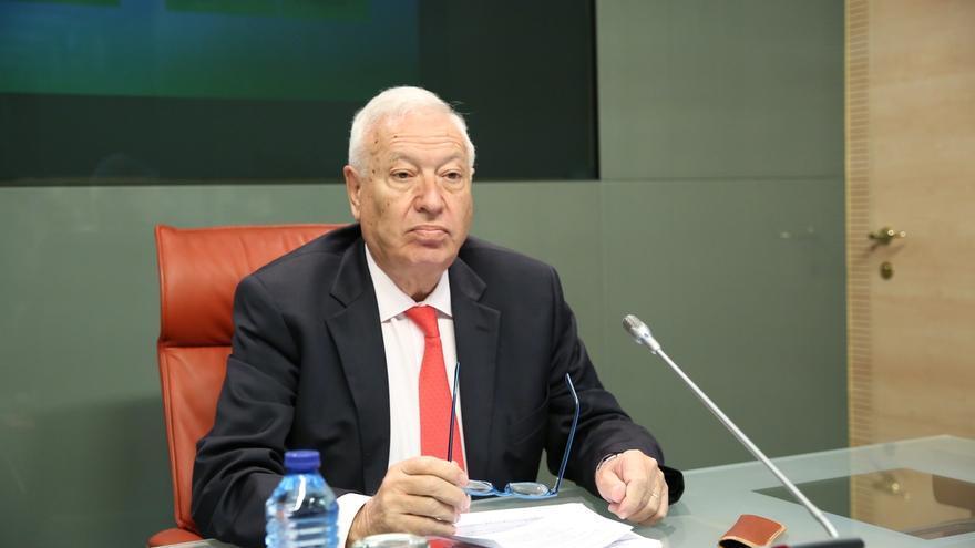"""Margallo advierte a Puigdemont de que el referéndum """"no cabe en ninguna Constitución del mundo"""""""