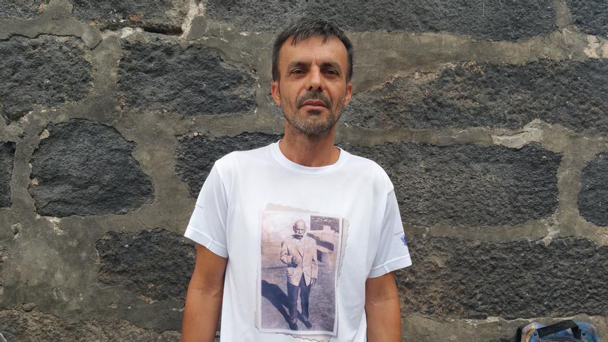 Mauro Castro está centrado en la historia del barrio de Franceses. Foto: LUZ RODRÍGUEZ