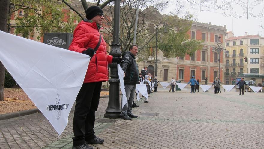 """Un concentración de Etxerat en Pamplona pide el """"fin de la dispersión"""" de los presos de ETA"""