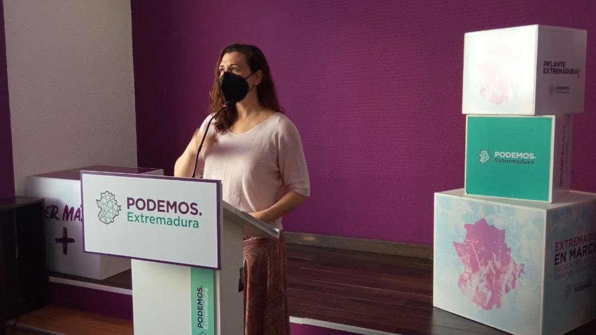 La portavoz de Podemos Extremadura, Mavi Mata