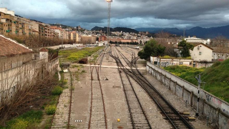 Vías del tren a su entrada en Granada
