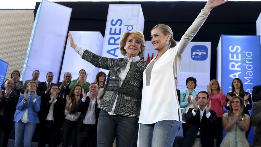 Esperanza Aguirre y Cristina Cifuentes en un mitin en 2015
