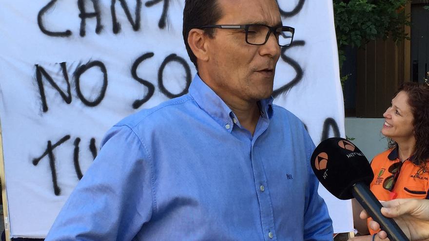 el secretario del Comité de Empresa y portavoz de los trabajadores en huelga, Carlos Báez