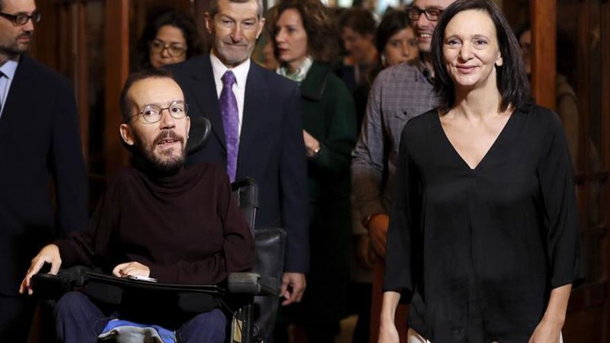 """Podemos denuncia que PP y PSOE han violado """"sistemáticamente"""" la Constitución"""