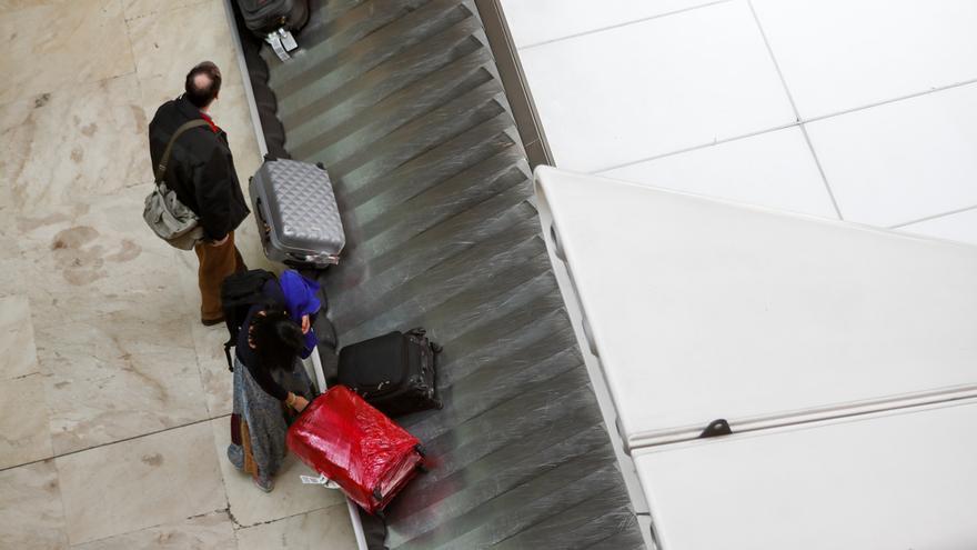 El 14% de los navarros ha perdido sus maletas en el avión