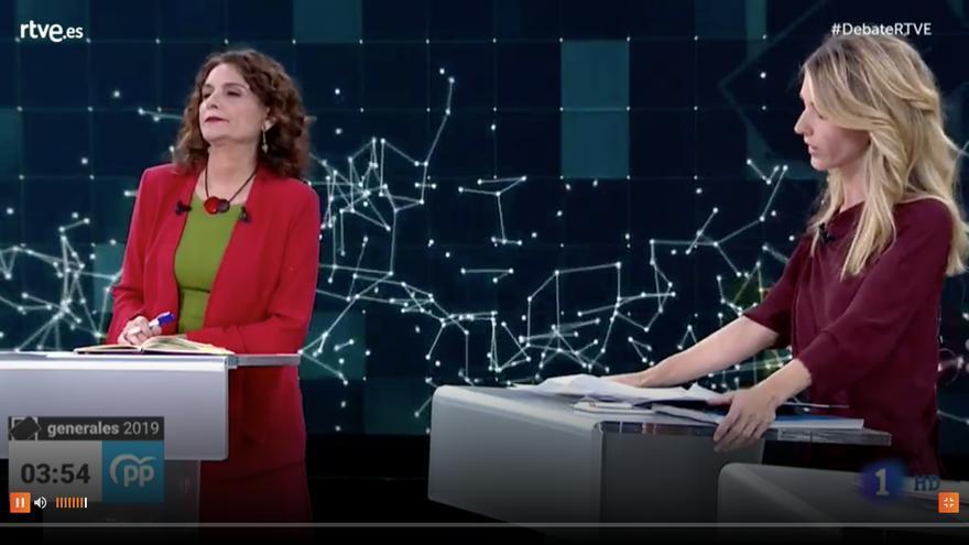 María José Montero y Cayetana Álvarez de Toledo en el debate de TVE.