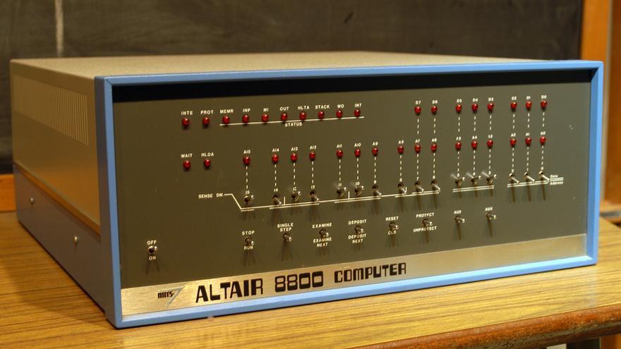 Un Altair 8800 defectuoso fue el origen de la aventura de Vector Graphic