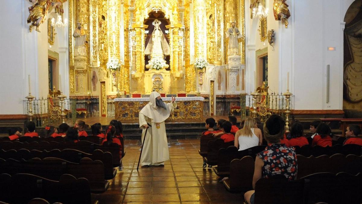 Una visita teatralizada en la iglesia de la Merced.