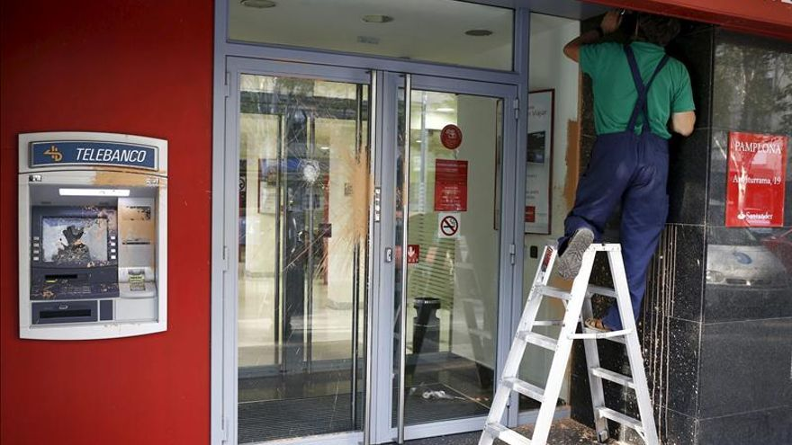 Los sindicatos calculan que banco santander cerrar 700 for Oficina banesto