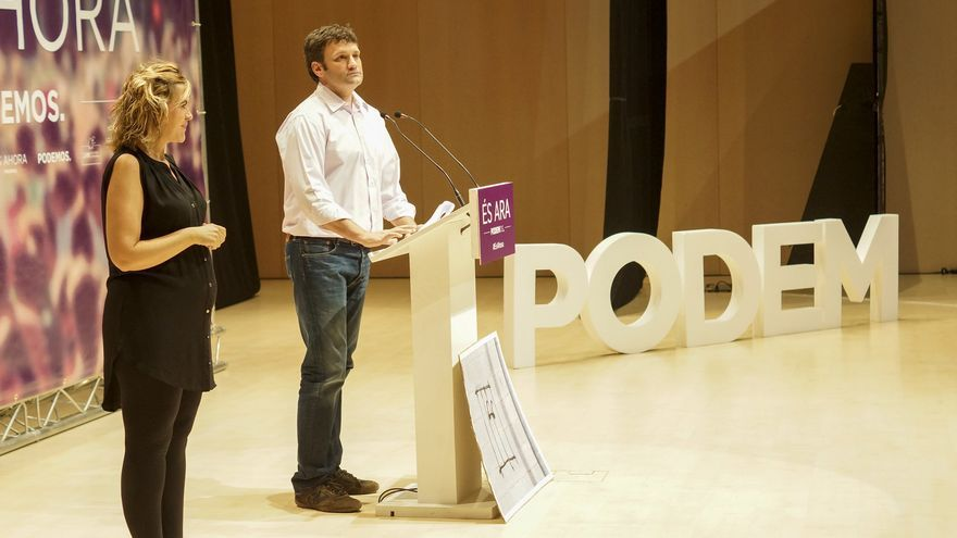 César Jiménez, diputado autonómico de Podemos, en un acto del partido.