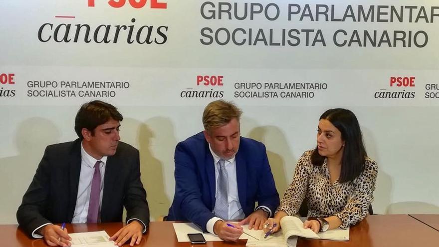 Manuel Abrante, Jorge González y Matilde Fleitas, diputados por La Palma del PSOE en el Parlamento de Canarias.