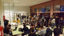 Asamblea de organización del referéndum sobre la monarquía en la Universidad de Zaragoza.