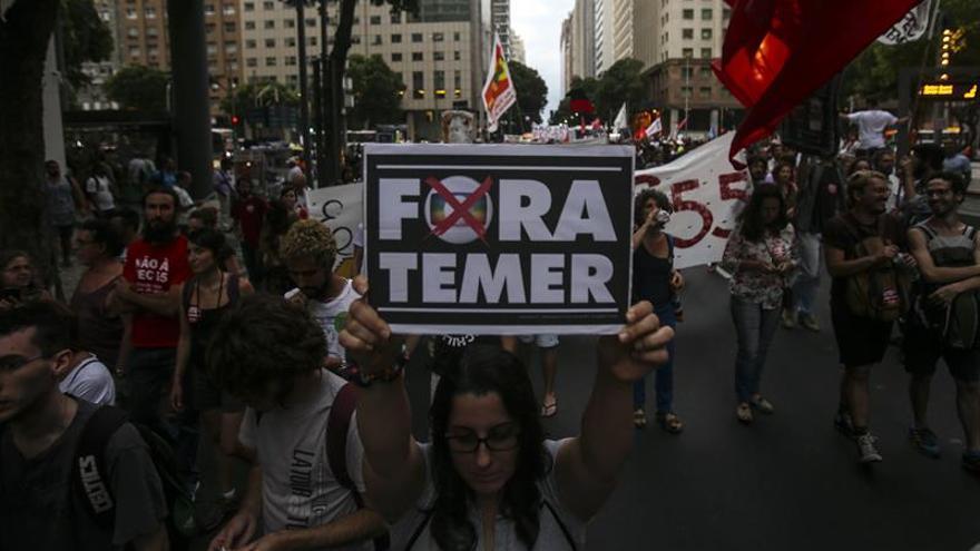 Manifestantes de 14 estados de Brasil vuelven a ocupar las calles contra los recortes