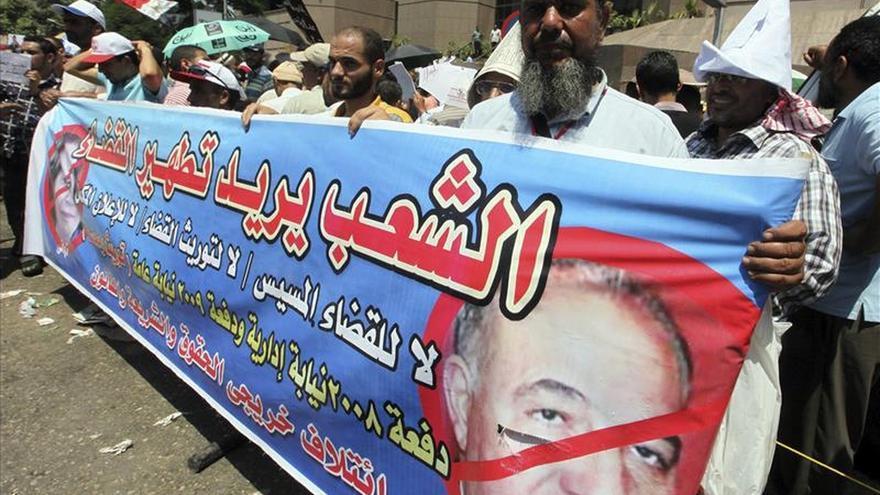 Jura como ministro de Justicia egipcio un acérrimo enemigo de los islamistas