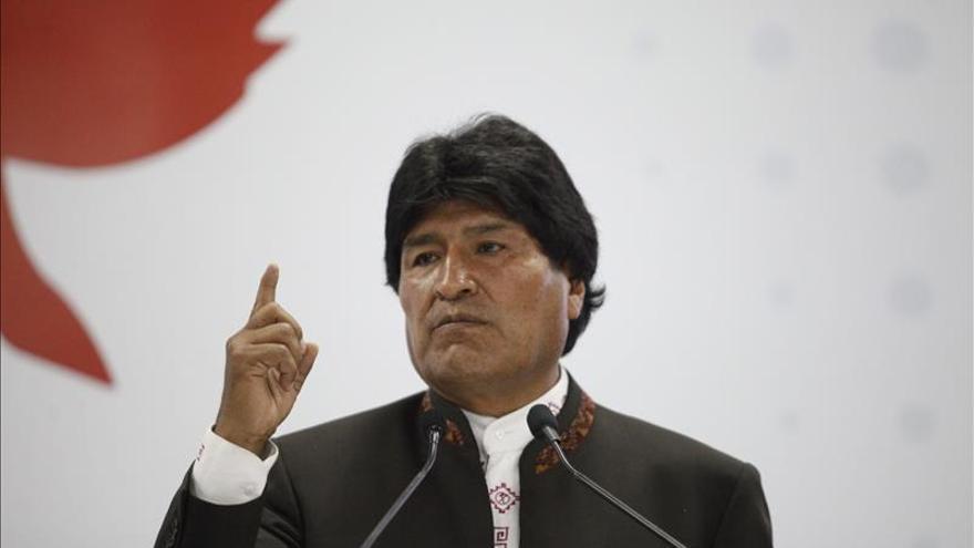 Morales iza la bandera marítima de Bolivia en el corazón de La Paz