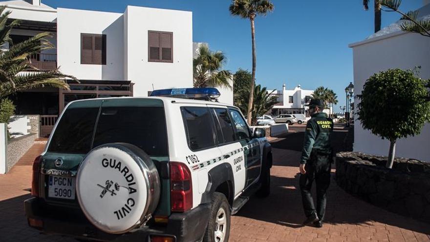 Efectivos de la Guardia Civil se personan en el domicilio de Romina Celeste, desaparecida desde la noche del pasado 31 de diciembre