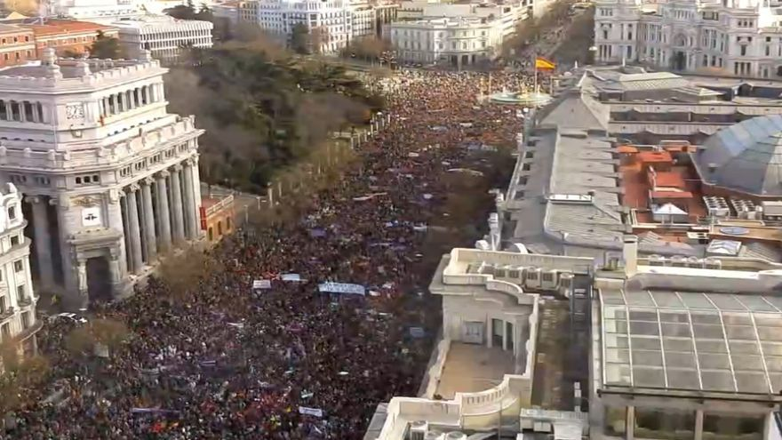"""La calle Alcalá durante la """"Marcha del Cambio"""", 31 enero de 2015. \ SkylineWebcams"""